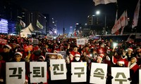 South Koreans protest for ninth straight weekend for Park to step down