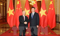 Party leader Nguyen Phu Trong holds talks with Chinese Party leader and President Xi Jinping