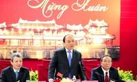 Prime Minister Nguyen Xuan Phuc pays Tet visit to Thua Thien Hue
