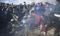 Clashes erupt when Israel dismantles West Bank illegal resettlements