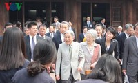 Japanese Emperor, Empress meet Japan alumni