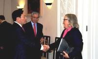 Vietnam pledges favorable condition for US businesses and investors