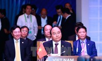 Prime Minister Nguyen Xuan Phuc participates in 30th ASEAN Summit