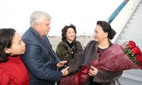 Top Vietnamese legislator meets overseas Vietnamese in Kazarkhstan