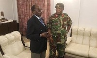 Zimbabwe's ruling ZANU-PF party calls for Mugabe resignation