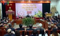 Overseas Vietnamese treated to Homeland Spring program