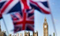 UK growth hits five-year low