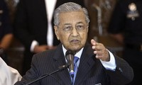 Malaysian Prime Minister calls for review of Trans-Pacific trade pact