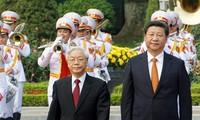 Máximo líder político de Vietnam visita China