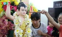 Localidades del centro y sur de Vietnam celebran aniversario 2561 de la iluminación del Buda