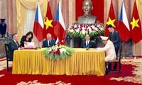 Relaciones Vietnam-República Checa siguen avanzando a nivel superior