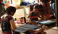 La seda y los brocados de Vietnam resaltan en el VI Festival Patrimonial de Quang Nam
