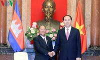 Altos dirigentes de Vietnam reciben al presidente del Parlamento camboyano