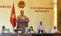Parlamento vietnamita analiza las leyes a favor del desplazamiento de personas y mercancías