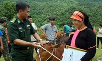 Vietnam sigue con vibrantes actividades de ayuda a los pobres