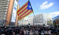 Los alcaldes independentistas catalanes se manifiestan en Bruselas