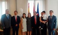 Vietnam fomenta la cooperación con España en materia de adopción internacional