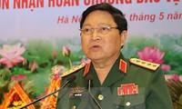 Bộ trưởng Bộ Quốc phòng Việt Nam Ngô Xuân Lịch tiếp Đại sứ Thái Lan và Đại sứ Singapore