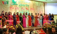 Dạ hội Sắc Thu tôn vinh phụ nữ Việt Nam tại Cộng hòa Séc
