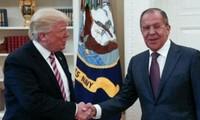 Presidente estadounidense se reúne con canciller ruso