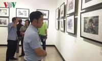 """Inauguran en Hanoi la exhibición de fotos periodísticas """"Huellas"""""""