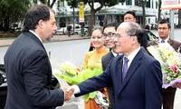 Sekjen Vietnam  Nguyen Phu Trong  terima Ketua Senat Cile
