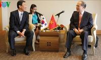 Ketua MN Vietnam, Nguyen Sinh Hung menemui  PM Republik Korea, Chung Hong-won