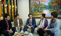 Deputy Prime Minister Vu Duc Dam extends Tet wishes to artists and scientists