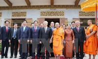 Party chief visits Cambodia's top Buddhist monks