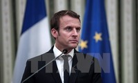 Macron visits Greece, shares EU vision