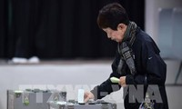 Japan conducts early votes for 2017 Lower House Election