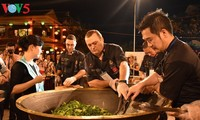 International chefs test their skills of cooking Cao Lau