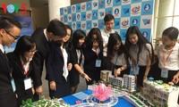 Estudiantes científicos de Vietnam se esfuerzan para desarrollar ciudades inteligentes