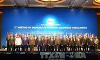 Vietnam fortalece los lazos de cooperación con los países euroasiáticos