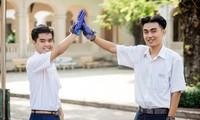 Guante traductor, herramienta práctica para los sordomudos en Vietnam