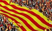 España pone fin a la crisis política en Cataluña con elecciones anticipadas