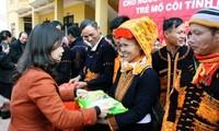 Los vietnamitas muestran empatía con los pobres en el Festival del Tet