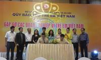 Vietnam impulsa el apoyo financiero a los niños en situación difícil