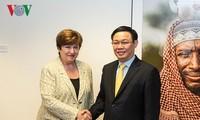 Vietnam busca reforzar cooperación con el Banco Mundial y el Fondo Monetario Internacional