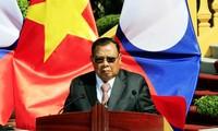 Máximo líder político de Laos visita Vietnam