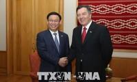 Vicepremier vietnamita cumple la agenda de trabajo en Chile
