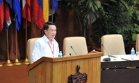 Dirigente partidista de Vietnam reafirma amor de su pueblo hacia Fidel Castro