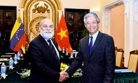 Vietnam y Venezuela afianzan la cooperación política y sectorial