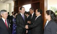 Budistas vietnamitas en Laos asisten a réquiem por difunto presidente de Vietnam