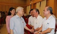 Máximo líder político de Vietnam realiza contactos electorales en Hanói
