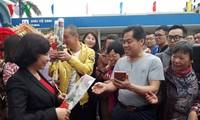 Quang Ninh recibe a los primeros turistas extranjeros en el primer día del nuevo calendario lunar 2019