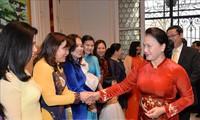 Máxima dirigente del Legislativo de Vietnam se reúne con compatriotas en Bélgica
