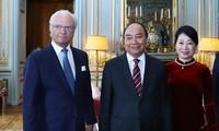 Primer ministro de Vietnam se reúne con rey sueco