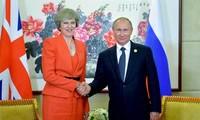Presidente ruso planea cita con primera ministra británica en Japón