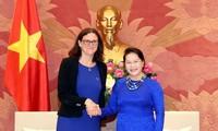 Dirigentes vietnamitas se reúnen con Alta Comisaria de Comercio de la Unión Europea